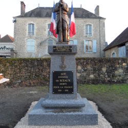 Sceaux sur Huisne (Monument commémoratif)