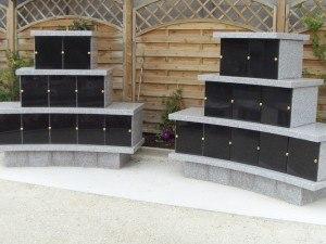 Espaces cinéraires et columbariums faut-il faire appel à un spécialiste ou à un prestataire local?