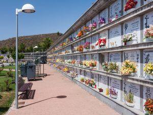 Comment communiquer suite au vandalisme et la profanation des columbariums?