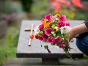 Comment assurer la gestion des concessions d'un cimetière?