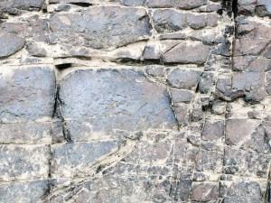 Pourquoi opter pour des monuments en granit?