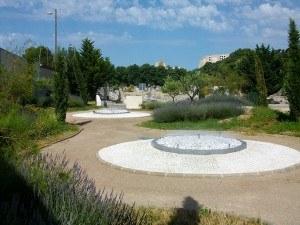 Comment choisir un prestataire pour la réalisation d'un espace cinéraire ou jardin du souvenir ?