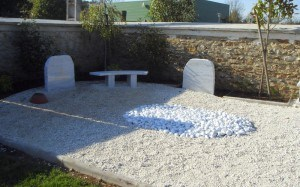 """Stèle rocher """"blanc"""""""
